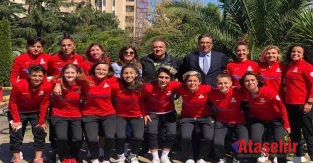 Ataşehir'de Kadın Futbol sezonu başlıyor