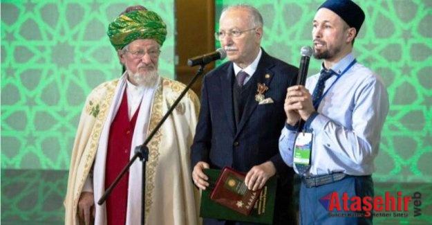 İhsanoğlu'na Rusya Müslümanlarından En Yüksek Nişan