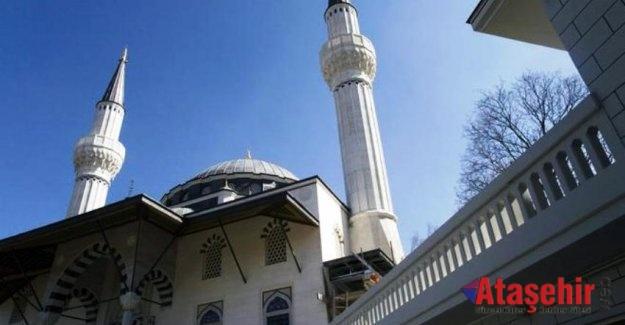 Almanya'da camiler daha iyi korunmalı