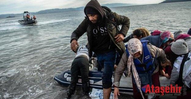 İlk göçmen botu Midilli'ye çıktı