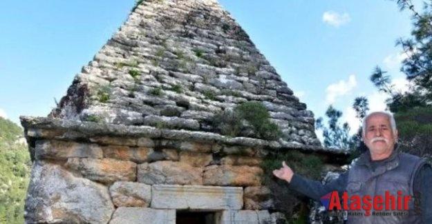 Marmaris'taki türbe anıt mezar çıktı