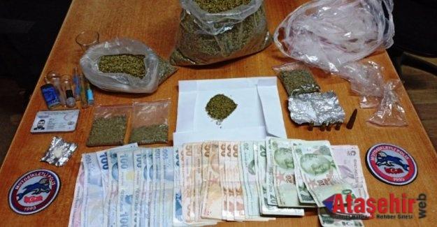 Ataşehir'de durdurulan taksiden uyuşturucu çıktı