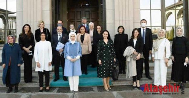 Emine Erdoğan, özel gereksinimli çocukların anneleriyle bir araya geldi