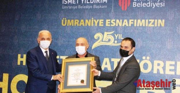 MODOKO'NUN 25 YILLIK ESNAFINA ÜMRANİYE BELEDİYESİ'NDEN PLAKET!