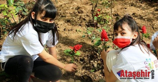 Ataşehir Belediyesi'nden 'Çöpler Çiçek Olsun' projesi