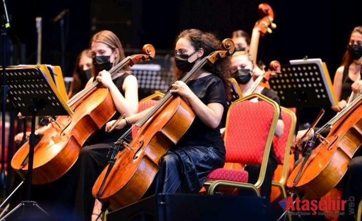İstanbul'da Senfonik Yaz Konserleri Başladı