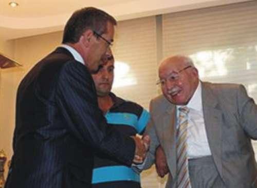 Abdüllatif Şener Necmettin Erbakan'ı ziyaret etti