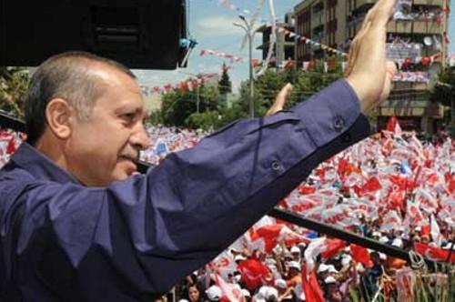 Başbakan Kılıçdaroğlu'nu Baykal'la vurdu