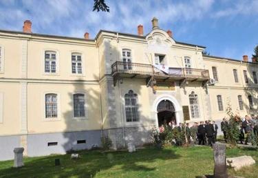 Büyük Önder Mustafa Kemal Atatürk'e Manastır Askerî İdadisi'nde özel tören