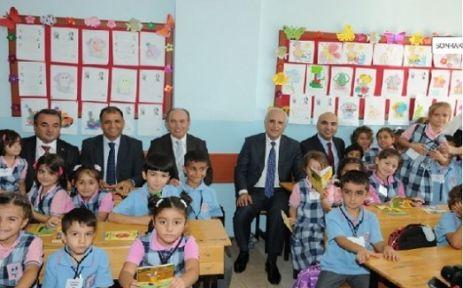 İstanbul'da Yılın ilk ders zili çaldı