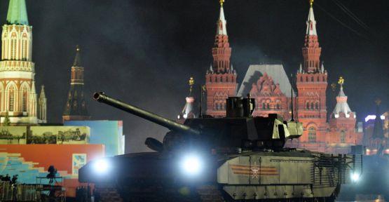 Rusya'nın yeni tankı Armata, Batı'da büyük ses getirdi