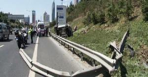 Ataşehir'de Trafik Kazası, 2 kişi yaralandı.