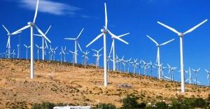 Yenilenebilir enerji rüzgarı devam ediyor