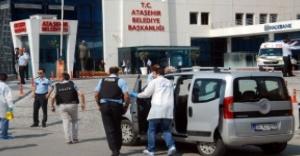 Ataşehir Belediyesi Önündeki Çatışmada Yaralanan Şahıs Hayatını Kaybetti