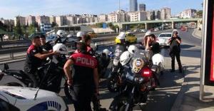 Ataşehir'de Sahte Üsteğmen Yakalandı