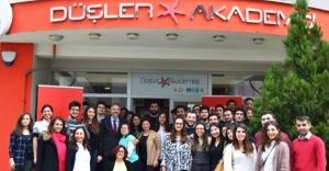 Vodafone, Düşler Akademisi gençlere sosyal sorumluluk bilinci aşılama projesi