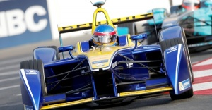 Renault e.dams FIA Formula E Paris yarışında iddialı