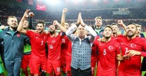 EURO 2016 A Milli Futbol Takımı aday kadrosu açıklandı