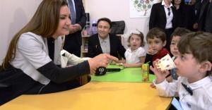 Nükhet Hotar Ataşehir Çocuk Eğitim Derneğini ziyaret etti.
