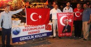 Sultanbeyli Erzurumlular Derneği Demokrasi Nöbetinde