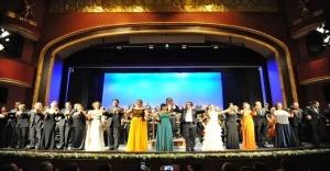İDOB, sezonu muhteşem Süreyya Operası'nda açtı