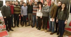 Ataşehir'de CHP'li gençlerden referandum startı