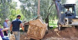 İznik'te Zeytin bahçesinden lahit fışkırıyor
