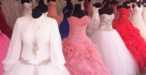 Düğün sezonu açıldı gelinliklere talep arttı