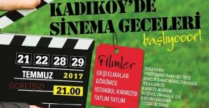 KADIKÖY'ÜN PARKLARINDA SİNEMA KEYFİ