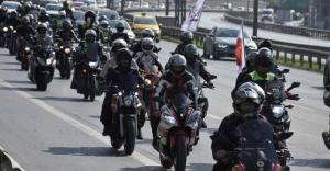 """Yüzlerce motosikletli """"Fark Edilmek"""" için bir araya geldi!"""