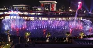 Ataşehir'de Sevgililer Günü'nde havuzda tango gösterisi
