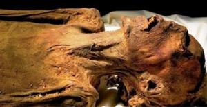 Firavunu öldüren prensin mumyası bulundu