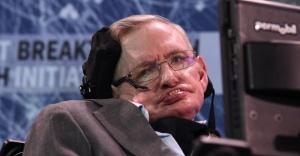 Fizik profesörü Stephen Hawking 76 yaşında hayatını kaybetti
