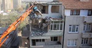 2000 yılından önceki riskli yapılar acilen yenilenmeli