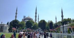 Avrupalı Turist Sultanahmet'e Dönüyor