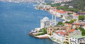 İSTANBUL'A GELEN TURİST SAYISI SON BEŞ YILIN REKORUNU KIRDI