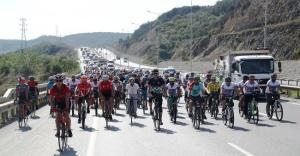 Bisikletle 3 Saatte 50 KM Yol Yaptı