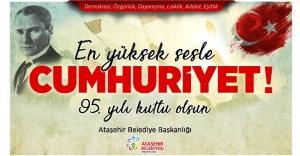 """""""EN YÜKSEK SESLE CUMHURİYET"""" ATAŞEHİR'DE!"""