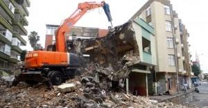 Kaçak yapılan binalar yıkılacak