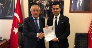 Uzm. Dr. Oktay Öcal, Ataşehir'den adaylığa başvurdu