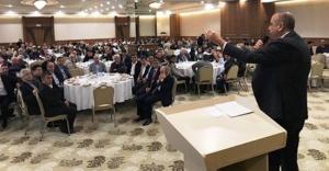 Battal İlgezdi Pazar Kahvaltısını Taksicilerle Yaptı