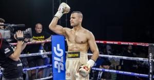 Milli boksör Seyda Keser Çekyalı rakibi nakavt etti