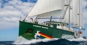 Efsane gemi Rainbow Warrior İstanbul'da