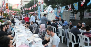 Ataşehir Belediyesinin Sokak İftarları devam ediyor