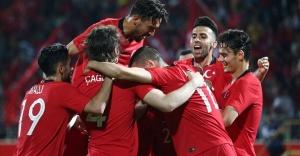 Türkiye, Özbekistan'ı Mehmet Zeki Çelik'in golleriyle 2-0 yendi.