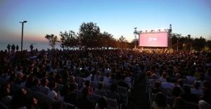 ULUSLARARASI KADIKÖY FESTİVALİ'NİN AÇILIŞI CHARLIE CHAPLIN'DEN