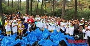 Kayışdağı Ormanı'nı doğaseverler temizledi