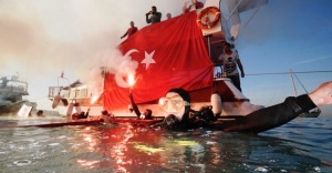 Maltepeliler havada, karada ve denizde Atatürk'ü andı