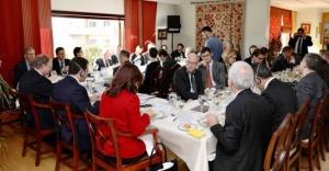 İBB Başkanı Ekrem İmamoğlu 27 ülkenin büyükelçileriyle bir araya geldi.