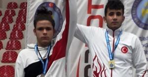 Türkiye Şampiyonluğu ve İkinciliği Çankırılı Güreşçilerin